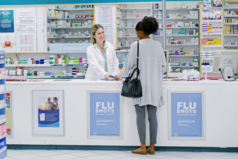 Hvem benytter seg av apotek på nett?